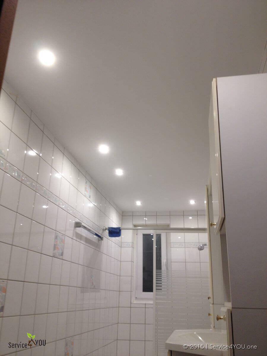 Badezimmer - Deckenverkleidung erneuert incl. Unterbau & LED
